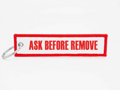 ask before remove Schluesselanhaenger mit logo