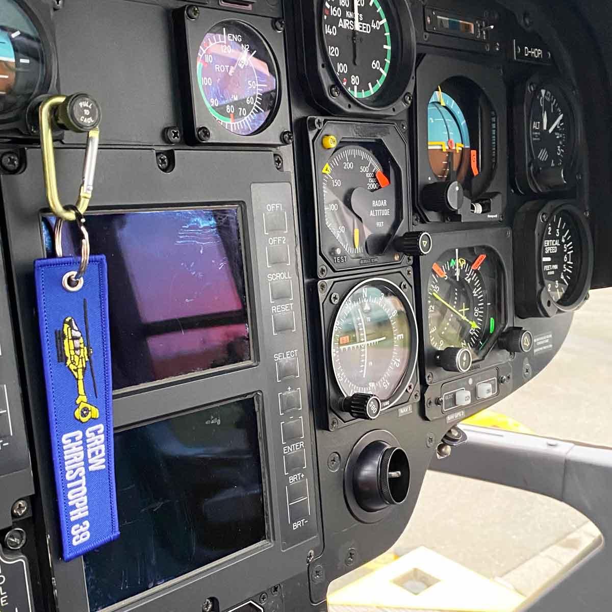 Individueller Schlüsselanhänger im Cockpit